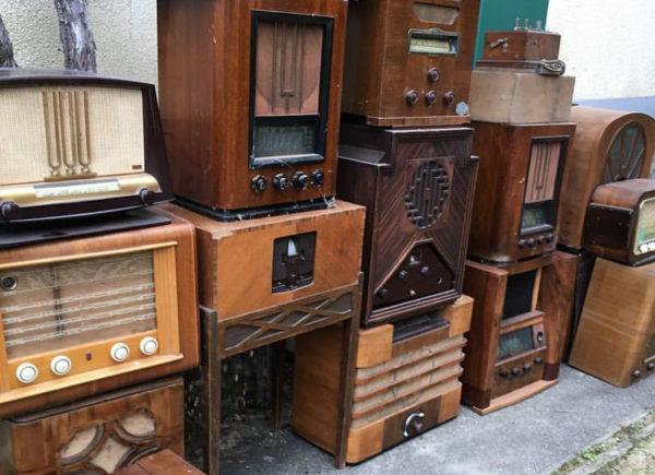 Enceinte Bluetooth radio vintage - A.bsolument Lyon Heureux comme un Prince